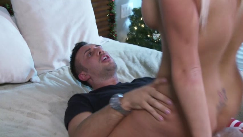 All I Want for Xmas Is Anal!