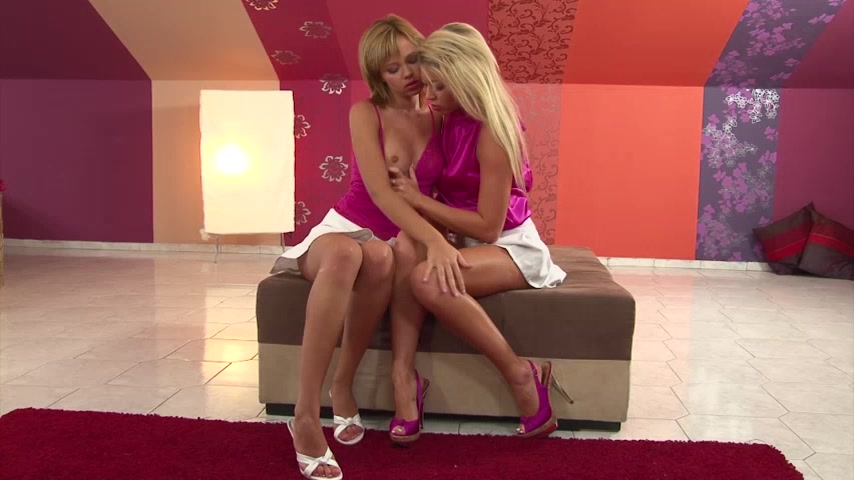 Blondes lick more pussies 2